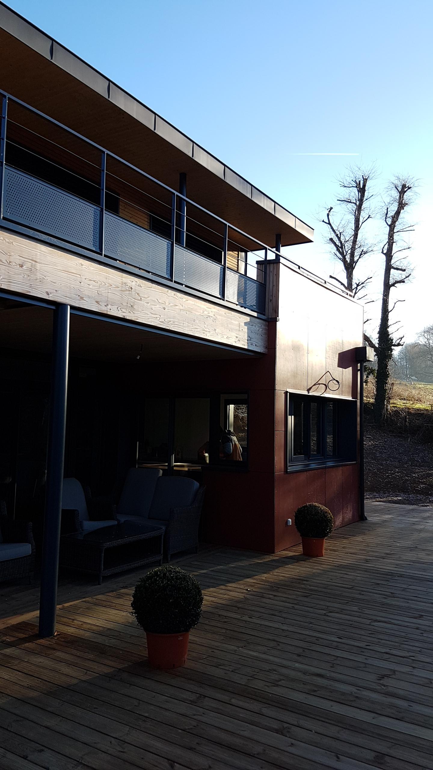 Maison g pierrefitte 19 vincent souffron architecte for Cout construction maison rt 2012