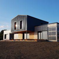 le mariage du bac acier et du bois #maisonbois #maisonmoderne #architecture contemporaine #architecturebois